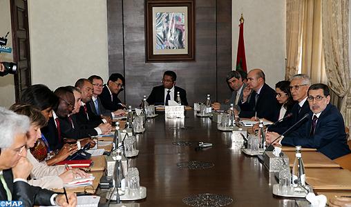 Le chef du gouvernement reçoit à Rabat une délégation du Conseil des administrateurs de la Banque mondiale