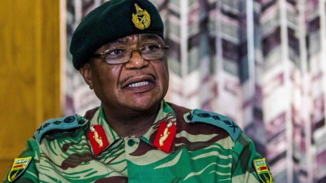 L'incertitude s'installe au Zimbabwe après la mise à l'écart de Mugabe
