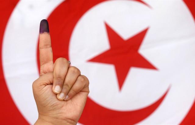 Présidentielle en Tunisie: Saied (18,4%) et Karoui (15,58%) au 2e tour (officiel)