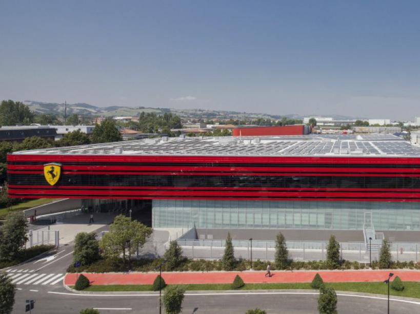 Automobile: Ferrari relève ses objectifs 2019, son titre à un niveau record